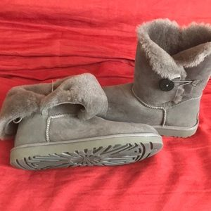 UGG boots / booties gray size 11 new without tags